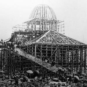 【昼はアメリカ建築・夜はススキノの札チョン文化初源】
