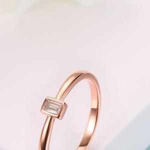 リングをつける位置によって、指輪の意味が違う!