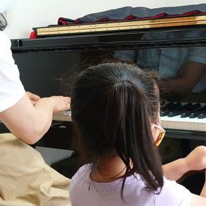 3才児ピアノ  かたつむりさんもピアノ弾くよ!
