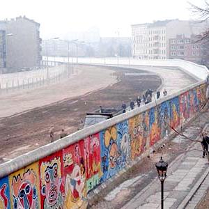 【英語リーディング問題の解答】 Germany marks 30 years since collapse of the Berlin Wall