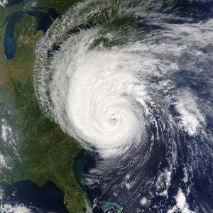 【リーディング問題の解答】 Short-lived Hurricane Barry weakens to tropical storm