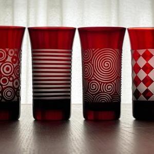 赤と青のグラス