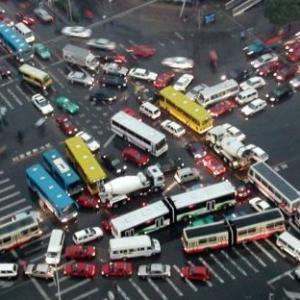 明日スタート、歩行者赤信号渡ったら一発アウト