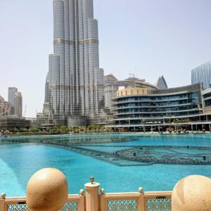 Dubai☆バージ・カリファ見上げながら★★★Dubai fountain☆ノーカット動画有り☆