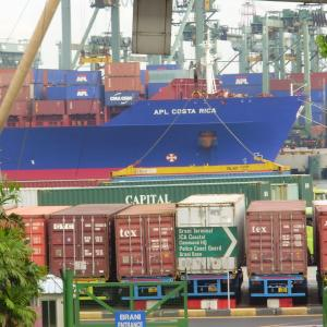 海上コンテナ輸送のための湿気・結露対策  (シンガポールと東京の気象 参照)