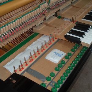 ピアノの鍵盤下に湿度調整が必要な理由。 調律師専用品 ドクターキーボーの紹介