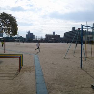 砂ぼこりに困った時の対策!校庭、野球場、テニスコートに使用する防塵剤<塩化マグネシウム>