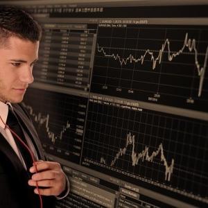 FX投資では負ける人が圧倒的に多いと言われていますが、それって本当...?