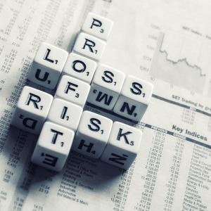 世の中に溢れている投資情報には賞味期限があります...