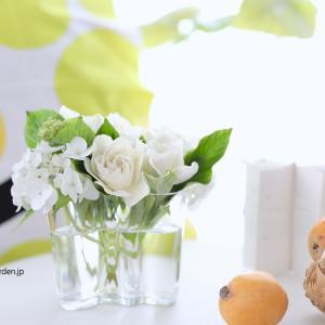 お気に入りのフラワーベースにお気に入りの花を