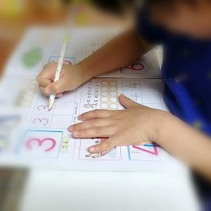 入学式から早1ヶ月。課題を受け取りに小学校へ
