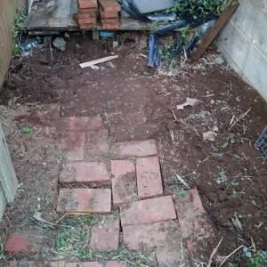 ようやく・・お庭改造計画始動です・・が