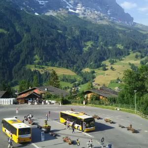 スイスの旅  -18- 狭いお部屋でアイガービュー