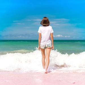 【バストケア】美乳のための夏のバストケアポイント
