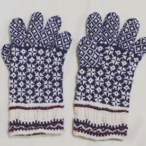 キヒヌのカフの手袋完成