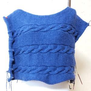 横から編むセーター
