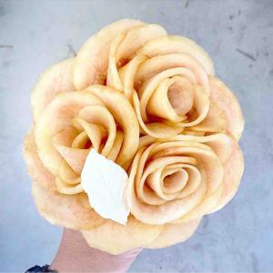 最大100倍まで!広島県尾道市のエタニティでブーケのような桃のクレープを堪能