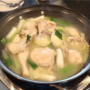 【孔徳】ペク・ジョンウォン系列の鶏料理専門店でタッカンマリ@성성식당/ソンソン食堂