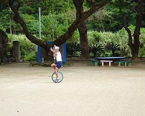 一輪車の練習