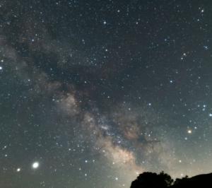 今日は七夕です。星空も不変ではありません。