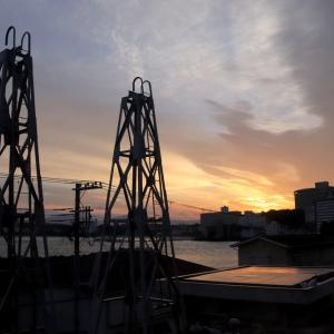 綱不知桟橋から眺める朝陽