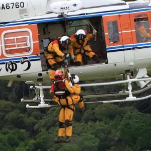 和歌山県防災航空センターの 「 災害救助訓練 」