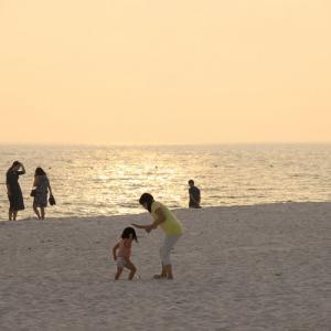 白良浜と円月島の夕日と夕焼け
