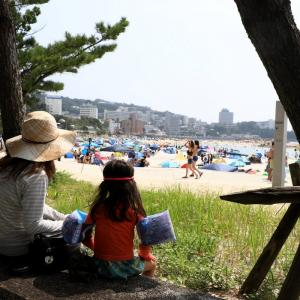 8月第2週目の土曜日の南紀白浜の海水浴場 ( 白良浜・臨海浦・江津良 )