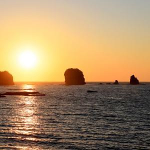 塔島に沈む夕日にうっとり