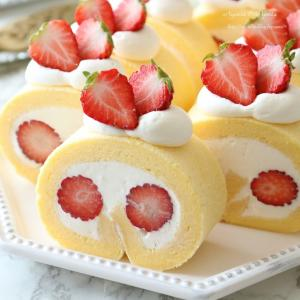 たっぷり苺のロールケーキ♪