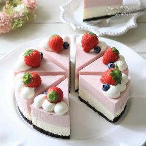 ラズベリージャムのレアチーズケーキ