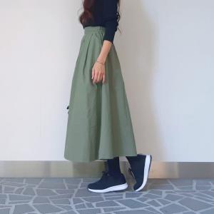 30代ママの公園コーデ♪黒スニーカーでつくるきれいめカジュアル秋ファッション