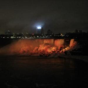夜のナイアガラ瀑布―ナイアガラ旅行3。