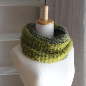 ファーヤーンでスヌードを編みました