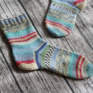 平和の靴下を編みました