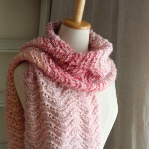 いろんなピンクで モヘアの波のショール