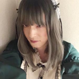 緑のロリィタ風衣装で変身(おうち女装)☆ぷろろーぐ