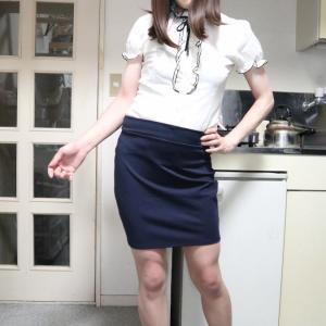 白レースブラウスに紺タイトスカートで変身♪(#^.^#)前編