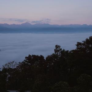 安曇野平は雲海の中