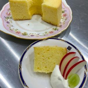シフォンケーキ2種のレッスンでした^ ^
