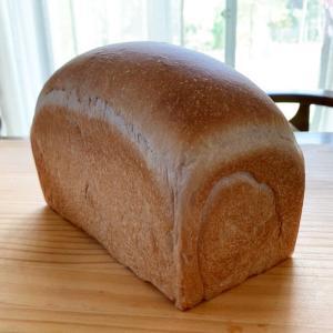 季節外れのブラックベリー収穫からのイギリスパン焼き上がり^ ^