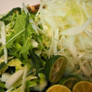 豚しゃぶは細切り野菜が美味し