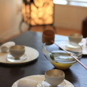 水出し煎茶を柄杓で・・・