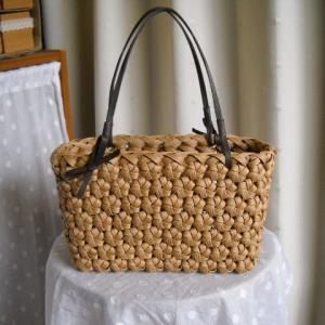 花結び編みのバック