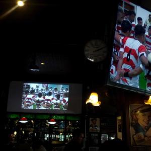 ラグビーワールドカップ・・軌跡の勝利をバンコク、外人バーで皆と分かち合う。