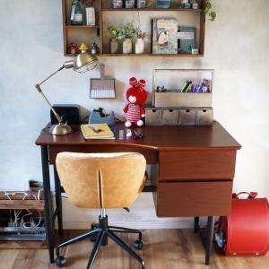学習机と椅子をアンティークなやつに変えました・リサイクルショップで見つけたから