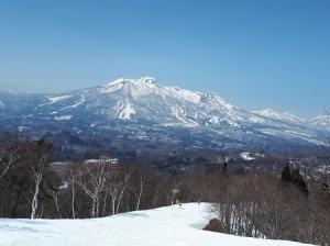 復活するも今年の雪はいつまでもつ?春スキーに一抹の不安