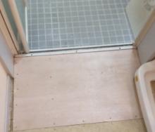 床が腐って修理しました