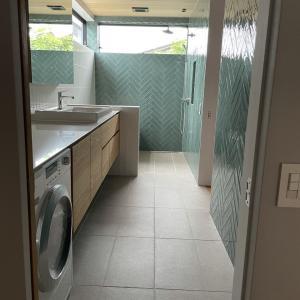「outdoor Living 庭と繋がる場所」 バスルーム