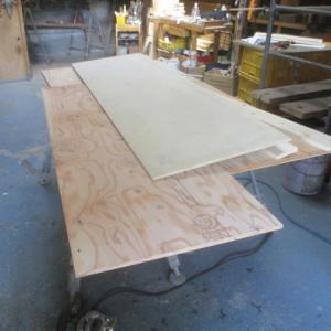 工房には一緒に洗面カウンターの製作も一緒に来てまして現在製作してます。